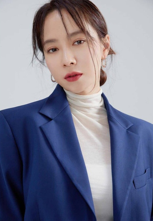 """Song Ji Hyo khiến dân tình """"xỉu ngang xỉu dọc"""" khi để mái thưa đẹp như thiếu nữ dù đã ngấp nghé 40 - Ảnh 4"""