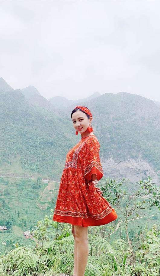 Cô gái dân tộc Nùng từng đóng hài Tết quyết tâm thi Hoa hậu Việt Nam 2020 vì ước mơ thuở nhỏ - Ảnh 8