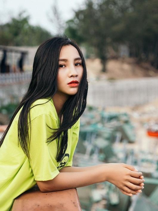 Cô gái dân tộc Nùng từng đóng hài Tết quyết tâm thi Hoa hậu Việt Nam 2020 vì ước mơ thuở nhỏ - Ảnh 7
