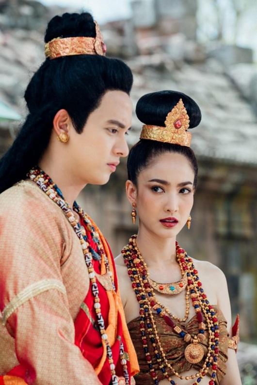 """""""Hoàng tử nụ cười"""" James Jirayu hội ngộ """"nữ thần rắn"""" Taew Natapohn trong dự án mới - Ảnh 5"""