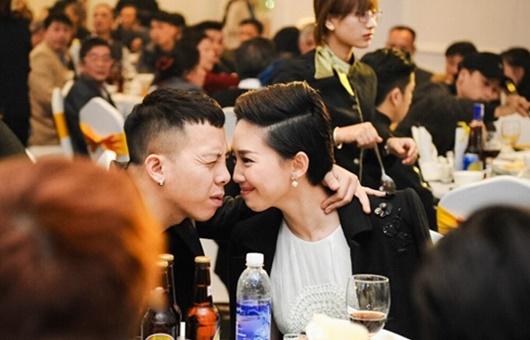 Tin tức giải trí mới nhất ngày 2/1: Tóc Tiên tiết lộ lý do không đeo nhẫn cưới - Ảnh 1