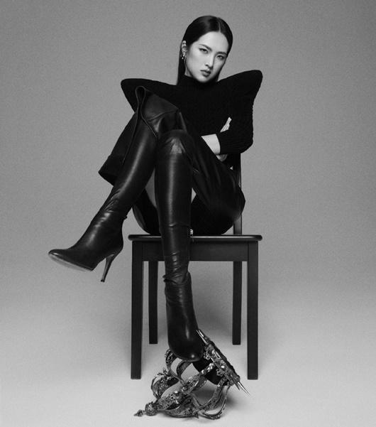 """""""Công chúa Huawei"""" vừa gia nhập Cbiz đã có bìa tạp chí, tài nguyên """"nghịch thiên"""" khiến dân mạng níu lưỡi - Ảnh 2"""