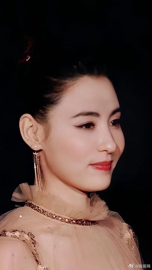 """Trương Bá Chi khoe nhan sắc cực phẩm, đẹp không góc chết khiến Tạ Đình Phong bỗng dưng bị """"réo tên"""" - Ảnh 7"""