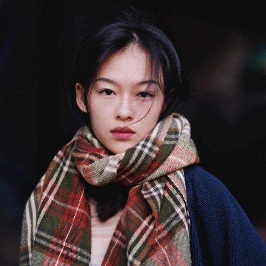 Người mẫu Việt được báo Trung đưa tin tới tấp, cộng đồng mạng xôn xao vì quá giống Chương Tử Di - Ảnh 3