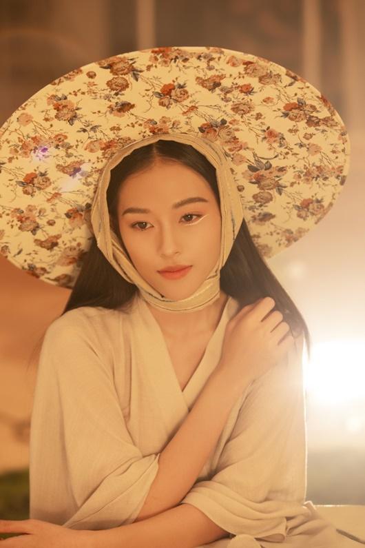 Người mẫu Việt được báo Trung đưa tin tới tấp, cộng đồng mạng xôn xao vì quá giống Chương Tử Di - Ảnh 2