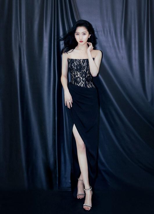 """Vóc dáng nữ thần của """"cách cách Bắc Kinh"""" Quan Hiểu Đồng, đôi chân xứng đáng được coi là báu vật - Ảnh 7"""