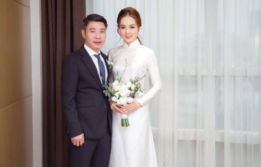 Tin tức giải trí mới nhất ngày 5/1: Bà xã chia sẻ xúc động sau đám cưới với NSND Công Lý - Ảnh 1