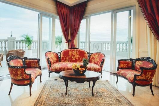 """Cận cảnh từng ngóc ngách căn penthouse """"dát vàng"""" như cung điện của hoa hậu Hà Kiều Anh - Ảnh 7"""