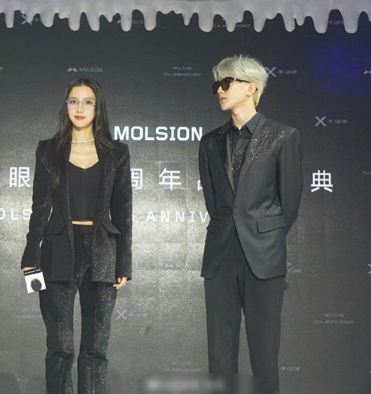 """Angelababy và Thái Từ Khôn đẹp sang chảnh không khác gì cặp chị em hào môn, """"bay thẳng"""" lên top hotsearch - Ảnh 2"""