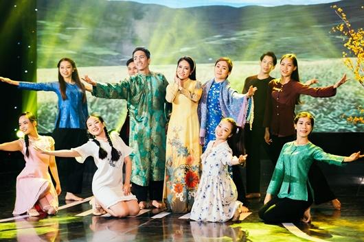 Nghệ sĩ Trung Dân cùng dàn sao trẻ tái hiện năm 2020 ngập lo lắng và drama trong chương trình cuối năm - Ảnh 4
