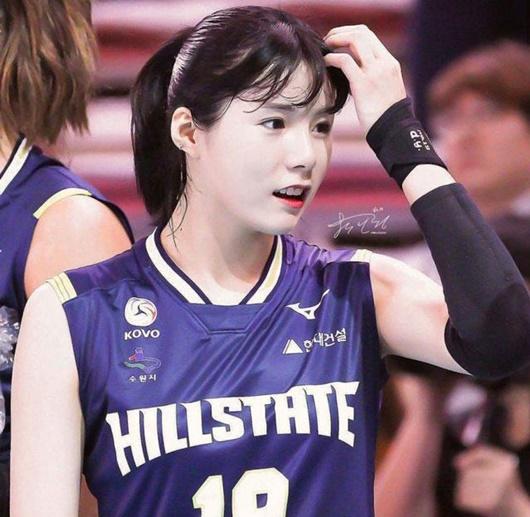 """Vẻ đẹp của cặp chị em sinh đôi từng là """"nữ thần bóng chuyền"""" Hàn Quốc nhưng bị tẩy chay vì bê bối - Ảnh 8"""