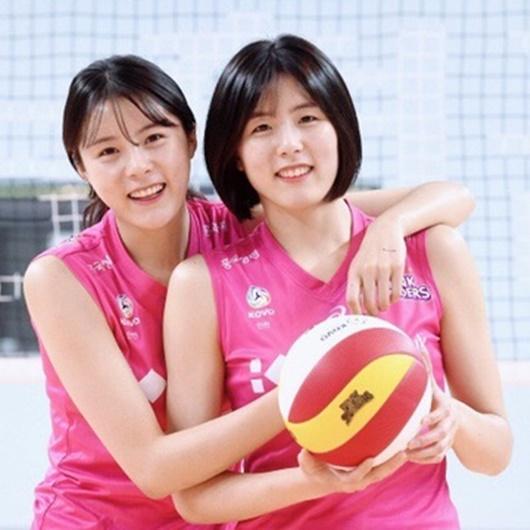 """Vẻ đẹp của cặp chị em sinh đôi từng là """"nữ thần bóng chuyền"""" Hàn Quốc nhưng bị tẩy chay vì bê bối - Ảnh 2"""