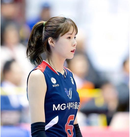 """Vẻ đẹp của cặp chị em sinh đôi từng là """"nữ thần bóng chuyền"""" Hàn Quốc nhưng bị tẩy chay vì bê bối - Ảnh 7"""