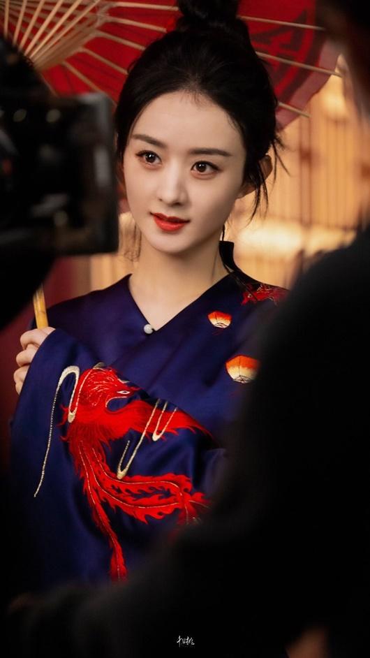 Mỹ nhân Hoa ngữ diện trang phục cổ phong, có người tưởng không hợp mà lại hợp không tưởng - Ảnh 1