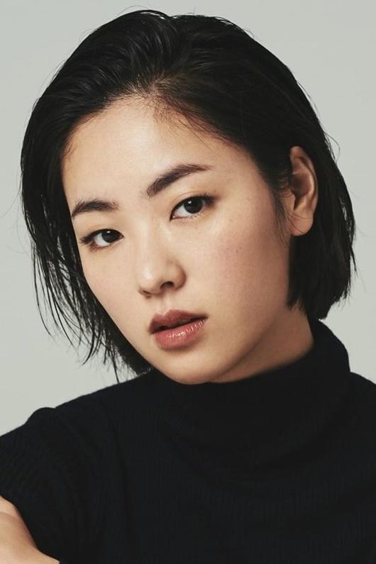 Người tình màn ảnh mới của Song Joong Ki: Đẹp lạ, thần thái sang chảnh hết nấc - Ảnh 2