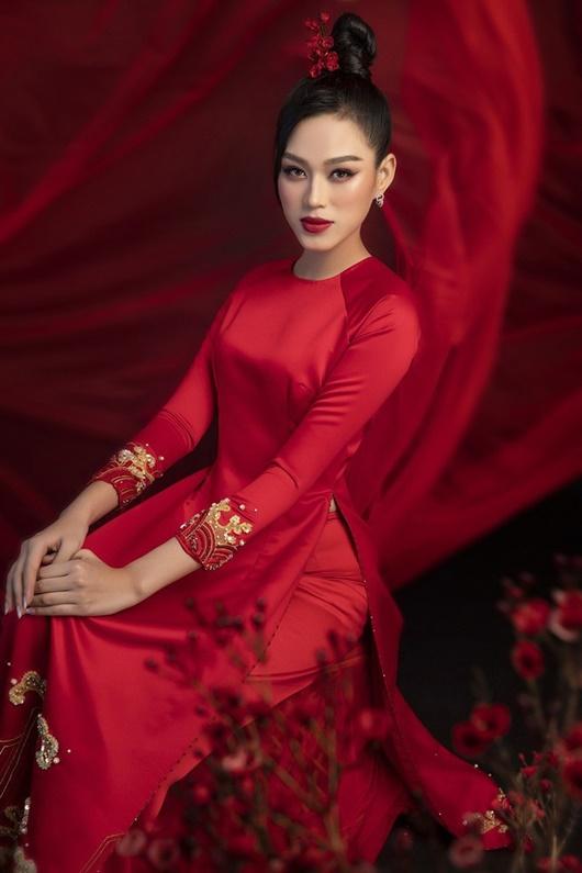 Đỗ Thị Hà có cả tá trang phục khoe dáng nhưng sau tất cả, váy đỏ mới là chân ái - Ảnh 7