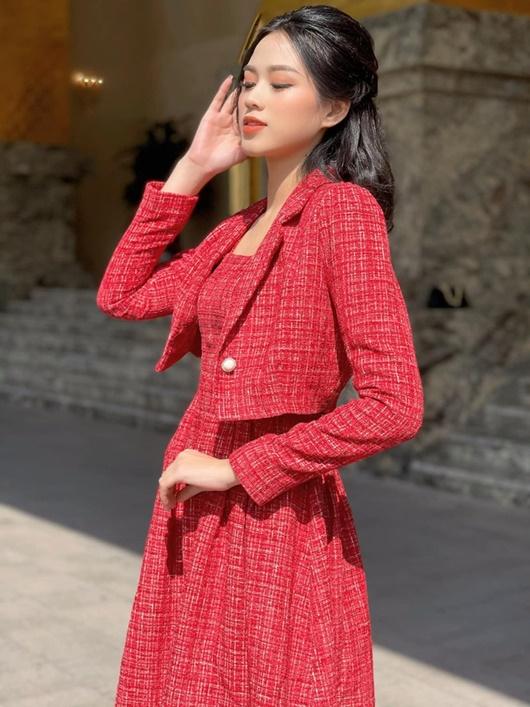 Đỗ Thị Hà có cả tá trang phục khoe dáng nhưng sau tất cả, váy đỏ mới là chân ái - Ảnh 9
