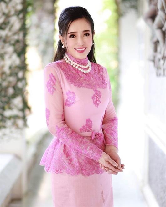 Vẻ trẻ đẹp khó tin ở tuổi 74 của Hoa hậu Hoàn vũ Thái Lan khiến dân mạng choáng váng - Ảnh 1