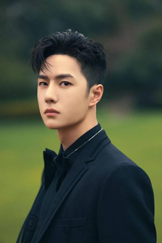 """""""Cú ngoặt"""" đáng kinh ngạc của Vương Nhất Bác ở Đêm hội Weibo khiến fan choáng váng không biết làm sao cho phải - Ảnh 9"""