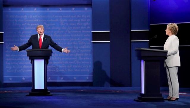 """Hillary Clinton nói Donald Trump là """"con rối"""" của Tổng thống Nga Putin - Ảnh 1"""