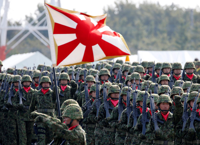 Quân đội Nhật Bản duyệt binh, nhận nhiệm vụ mới từ Thủ tướng - Ảnh 6