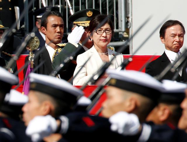 Quân đội Nhật Bản duyệt binh, nhận nhiệm vụ mới từ Thủ tướng - Ảnh 2
