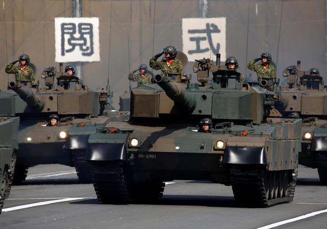 Quân đội Nhật Bản duyệt binh, nhận nhiệm vụ mới từ Thủ tướng - Ảnh 5