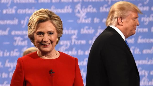 Người Trung Quốc bất ngờ yêu mến bà Clinton hơn ông Trump - Ảnh 1