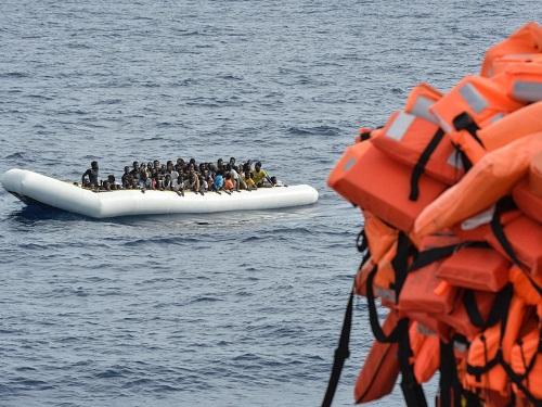 240 người tị nạn thiệt mạng trong thảm họa chìm thuyền ở Địa Trung Hải - Ảnh 1