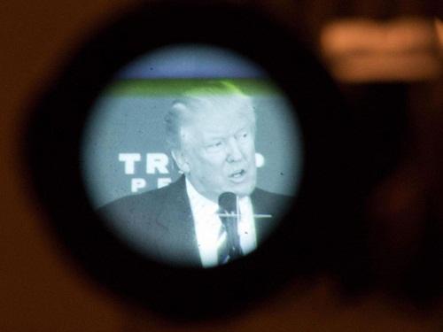 Sốc: Donald Trump bị cáo buộc lạm dụng tình dục trẻ em - Ảnh 1