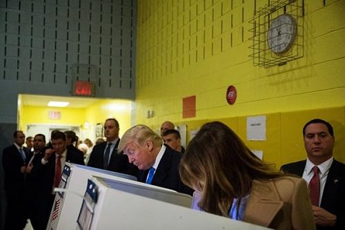 Donald Trump đắc cử Tổng thống Mỹ - Ảnh 16