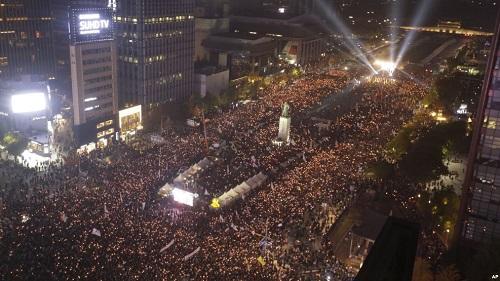 Luận tội Tổng thống không giúp Hàn Quốc thoát khỏi khủng hoảng do tham nhũng? - Ảnh 1
