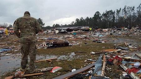 Bão lớn đổ bộ miền Nam nước Mỹ, 18 người thiệt mạng - Ảnh 1
