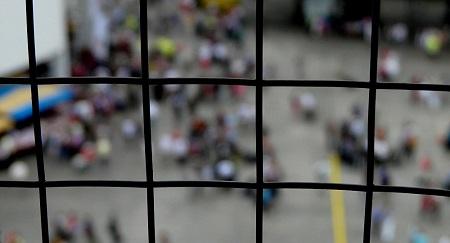 Nhà tù Philippines bị tấn công, 132 tù nhân trốn thoát - Ảnh 1
