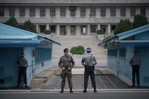 Nhà Trắng tranh cãi về chuyến đi của ông Trump tới dọc biên giới Triều Tiên - Ảnh 2