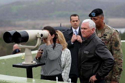 Nhà Trắng tranh cãi về chuyến đi của ông Trump tới dọc biên giới Triều Tiên - Ảnh 1