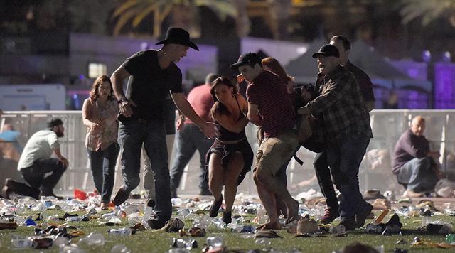 Công bố danh tính nghi phạm 'dội mưa đạn' làm ít nhất 250 người thương vong ở sòng bạc Mỹ - Ảnh 2