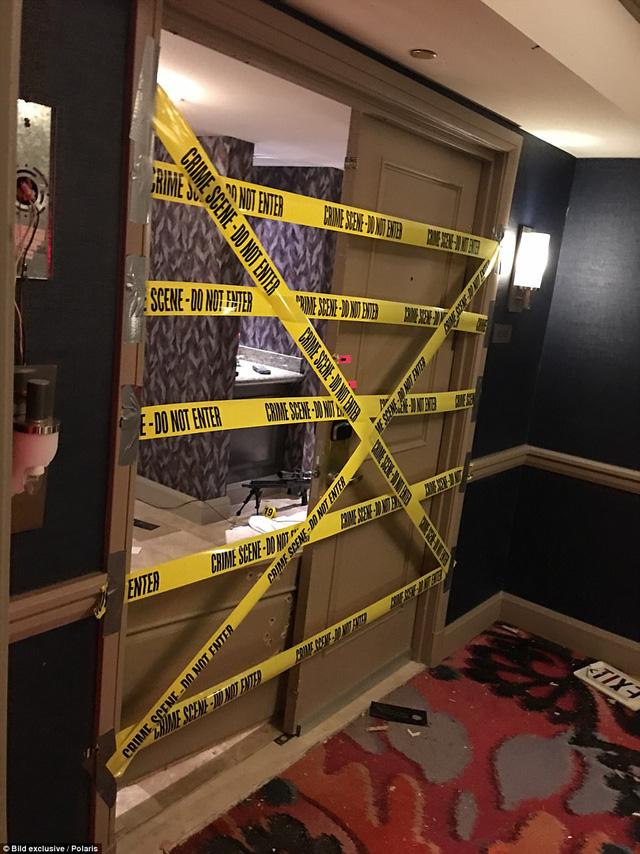 """Hình ảnh vũ khí bên trong phòng khách sạn của """"kẻ trút mưa đạn"""" tại Las Vegas - Ảnh 2"""