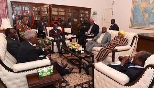 Hình ảnh đầu tiên của tổng thống Zimbabwe sau khi bị quản thúc - Ảnh 1
