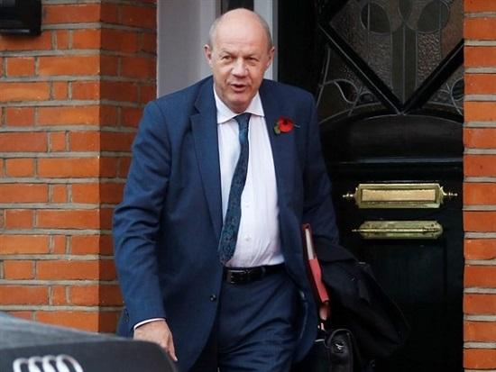 Phó thủ tướng Anh bị buộc từ chức do bê bối ảnh khiêu dâm - Ảnh 1