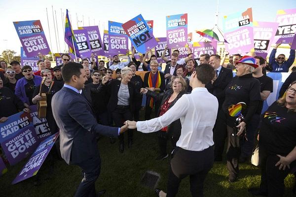 Australia chính thức hợp pháp hóa hôn nhân đồng giới - Ảnh 1
