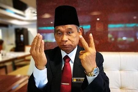 Malaysia truy nã pháp sư lập đàn ngoài nơi bảo quản thi thể Kim Jong-nam - Ảnh 1