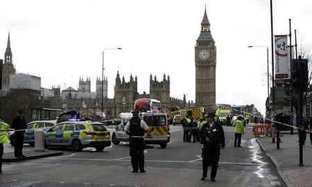 Hiện trường hỗn loạn vụ tấn công 'khủng bố' London - Ảnh 12