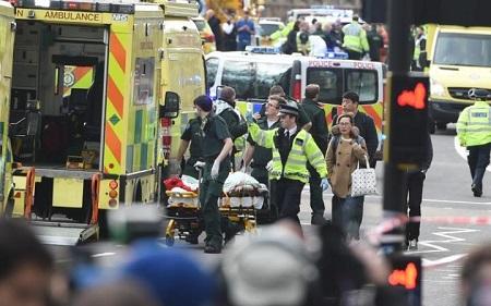 Hiện trường hỗn loạn vụ tấn công 'khủng bố' London - Ảnh 7