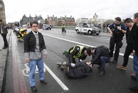 Hiện trường hỗn loạn vụ tấn công 'khủng bố' London - Ảnh 5