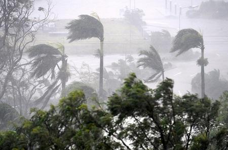 Đợt di tản lớn nhất Australia từ năm 1974 do siêu bão tấn công - Ảnh 1