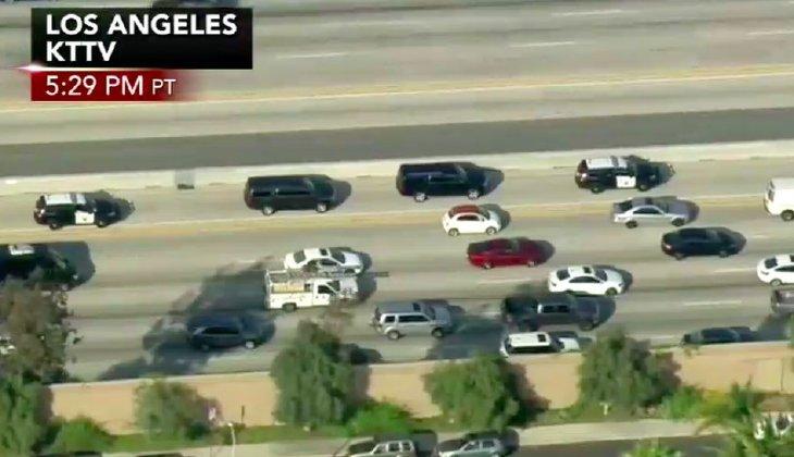 Truyền thông Mỹ dùng trực thăng theo sát giám đốc FBI bị sa thải - Ảnh 1