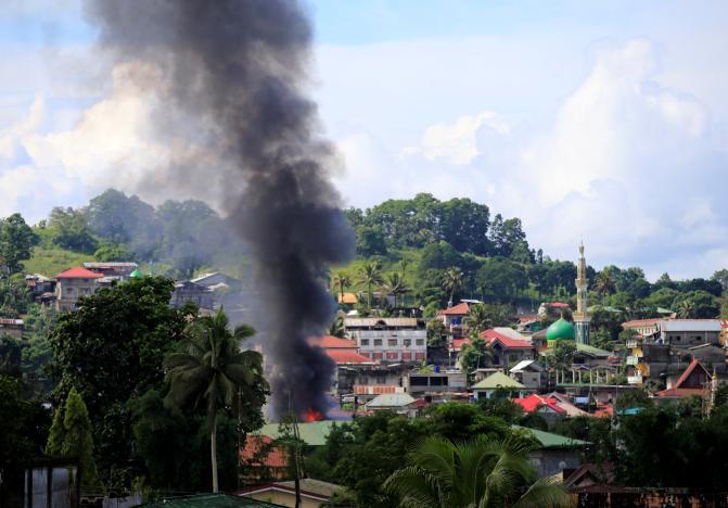 Chiến sự Marawi: Phiến quân Hồi giáo chỉ còn kiểm soát 20% thị trấn tại Philippines - Ảnh 3