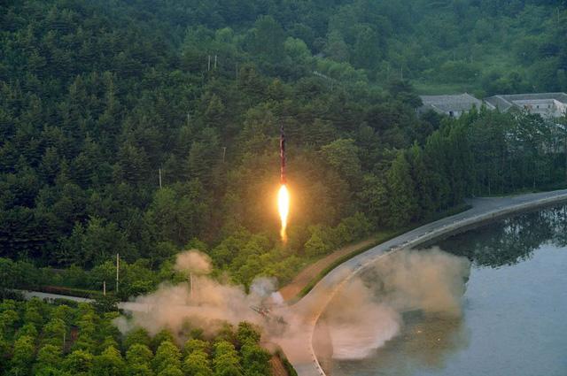 """Triều Tiên tuyên bố có """"vũ khí hạt nhân uy lực nhất"""" - Ảnh 1"""