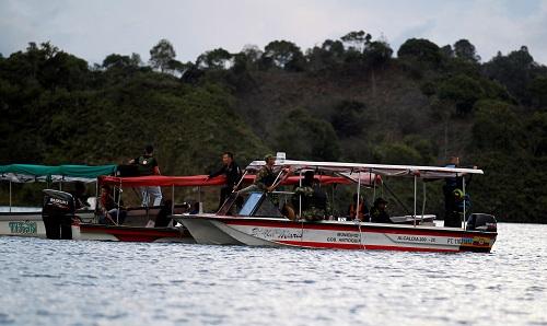 Video hiện trường chìm tàu du lịch chở 170 người tại Colombia - Ảnh 1